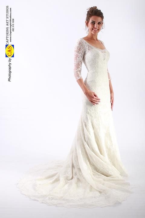 wd122-lace-wedding-gown-with-sleeves-kant-trourokke-met-moue