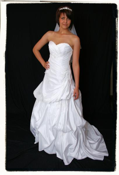 wd5rog0092a-wedding-dressesgownstrourokke