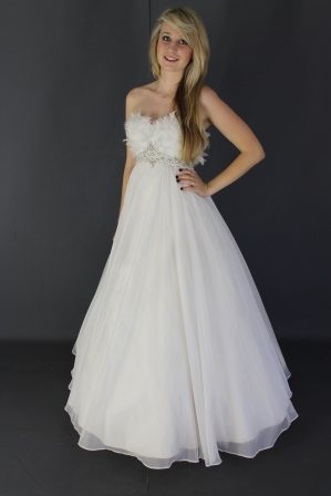 wd71y0014-wedding-dressesgownstrourokke-