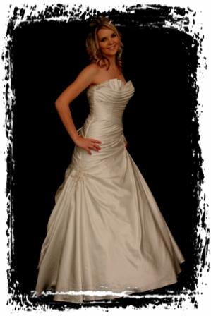 wd58y0011-wedding-dressesgownstrourokke-